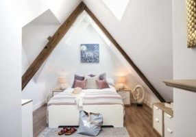 Stunning Master Bedroom in 2 The Elms